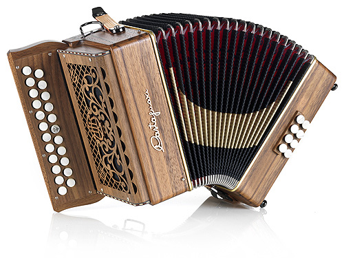 Castagnari Dinn II button accordion, natural finish walnut